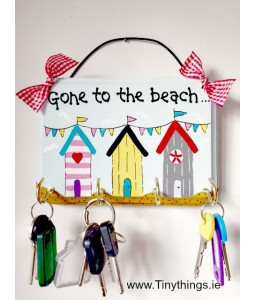 Gone to the beach key holder